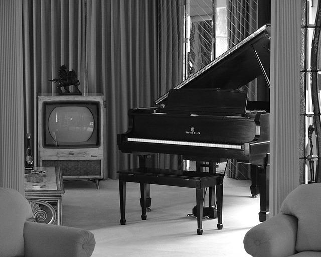 Klavír v bytě