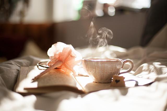 čaj a kniha