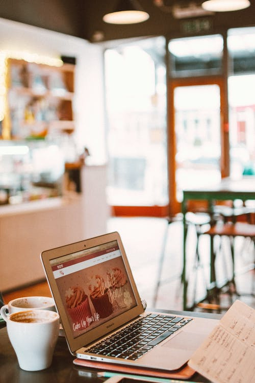 notebook káva